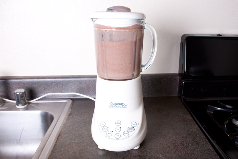 Protein shakes come in many different flavors, colors, textures and consistency. Please make sure you read the label on the shakes. Stay away from the shakes that are meant for 'body building'. You want to choose a shake that has a high amount of protein and a low amount of sugar and calories